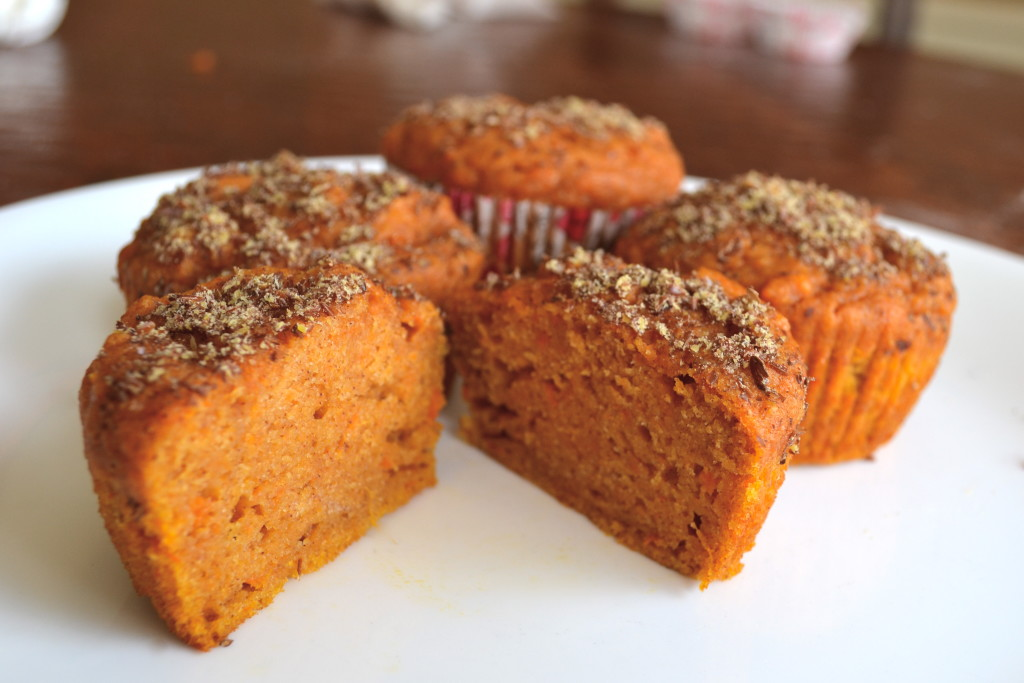 sweet potato muffins with flaxseed topping
