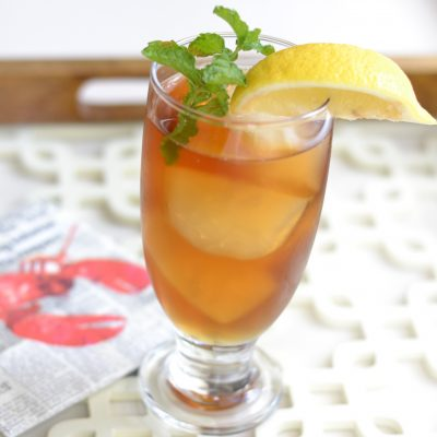 Peach Vodka & Iced Tea Summer Cocktail