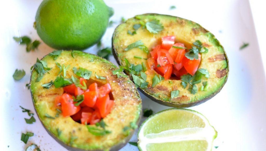 grilled-avocado-guacamole-feature