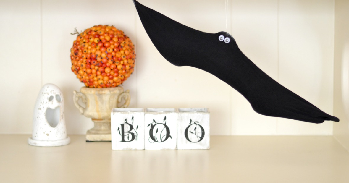 DIY Wire Hanger Bats for Halloween | Good and Simple How To Wire A Bat Yourself on wire hat, wire dream catcher, wire bee, wire bit, wire frog, wire octopus, wire lizard,