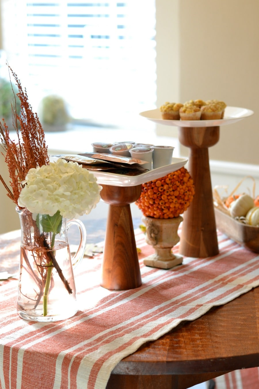 tiered-plate-tablescape