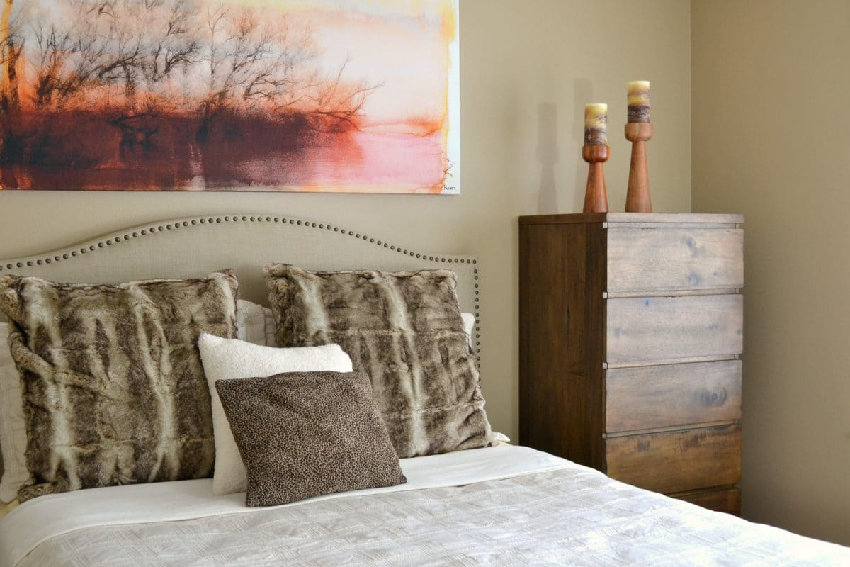 cozy-guest-room-makeover-2