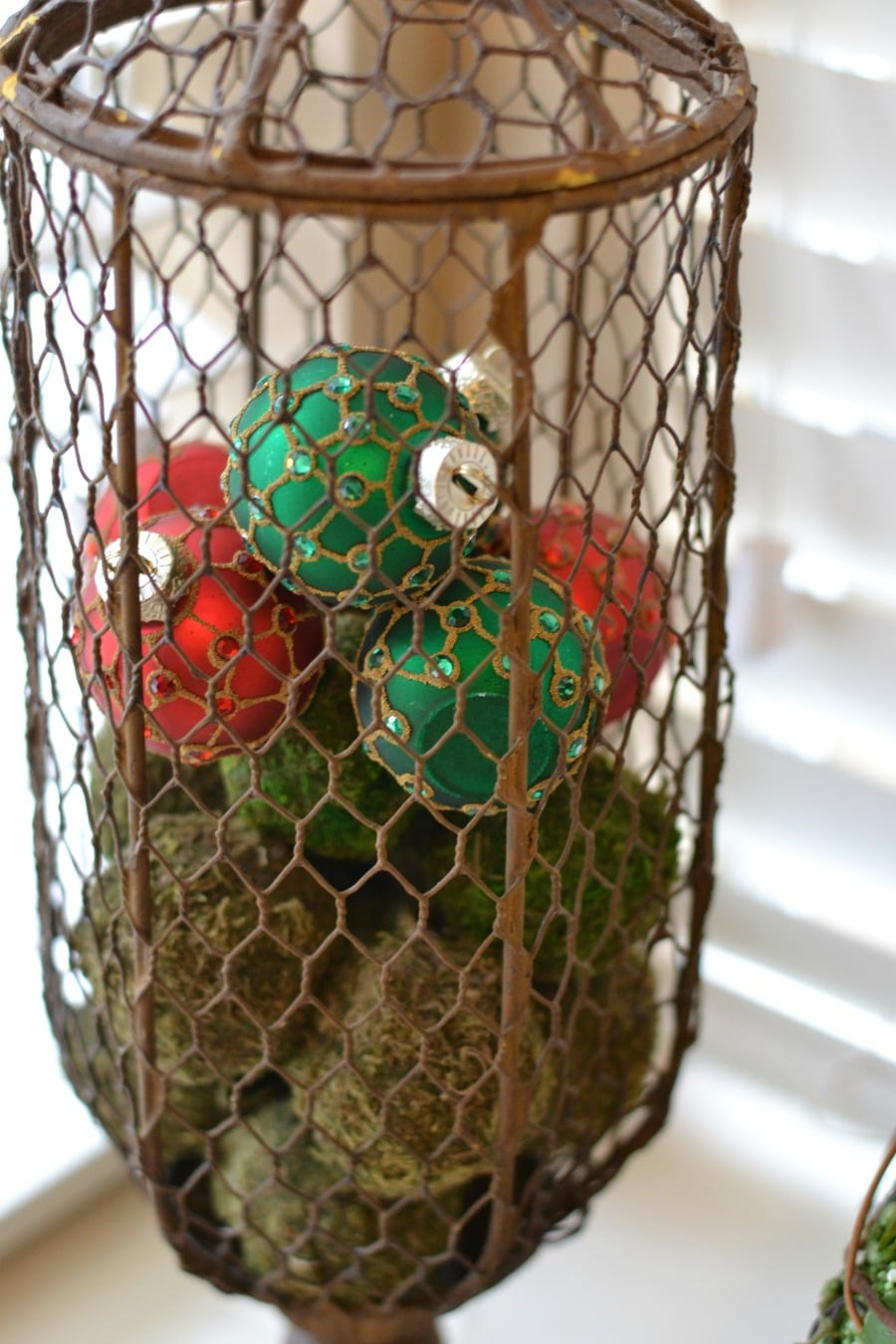 decorating-with-ornaments