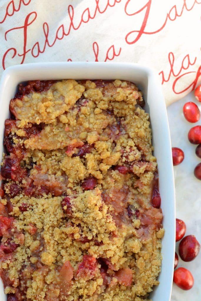 Baked cranberry apple crisp